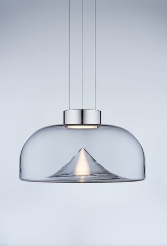 Named after a greek mythology Amazon, this suspension light fascinates with a clean yet sophisticated design. Aella means tornado, in fact the soft curves of its glass seem to originate from a swirl,