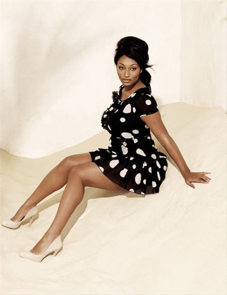 Toccara Jones embraces black and white. Wow from Curvation. #ShapeofBeauty
