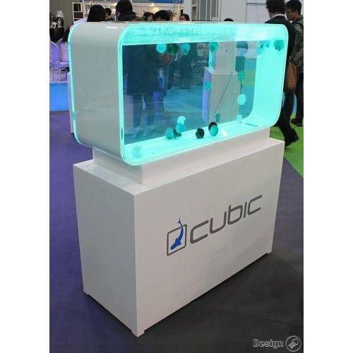 Pulse 280 v bílé barvě je naše největší akvárium pro medúzy a je vhodné téměř pro všechny druhy medúz všech velikostí. Design akvária vychází z mnohaletých zkušeností s chovem medúz a pod věstavěným Led osvětlením vypadají medúzy naprosto úžasně. Autor foto: Cubic UK
