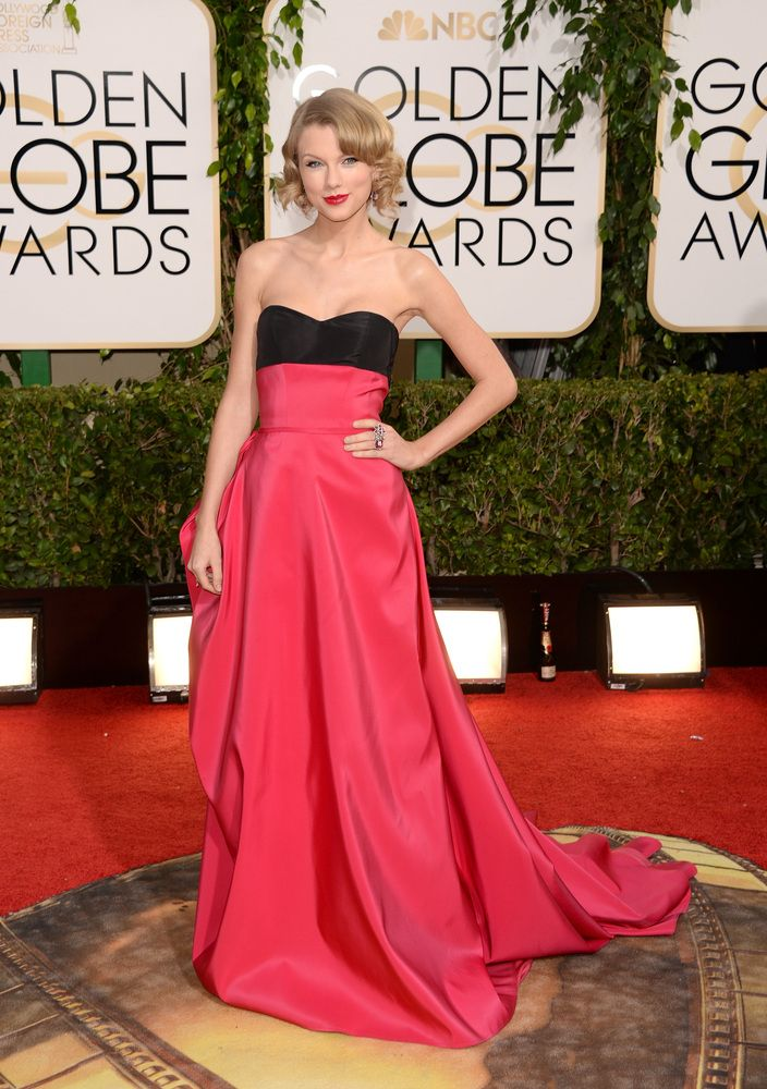 Taylor Swifts Golden Globes Dress 2014 , beautiful dress but she looked a little to thin on t.v.