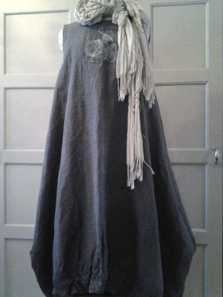 Pellavainen mekko