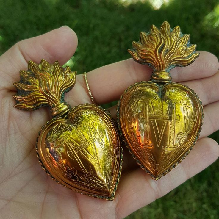 """138 Likes, 17 Comments - MADONNA ENCHANTED OOAK JEWELRY (@madonnaenchanted) on Instagram: """"I received the most BEAUTIFUL sacred heart ex voto reliquary pieces today!!! Soooooo excited!!! I…"""""""