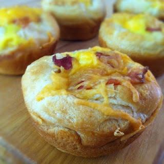 Cheesy Bacon and Egg Breakfast Cupcakes
