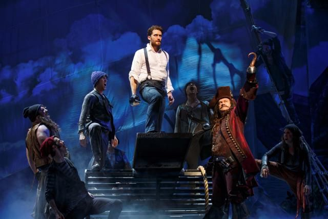Review - Finding Neverland on Broadway: Matthew Morrison and Kelsey Grammer in Finding Neverland