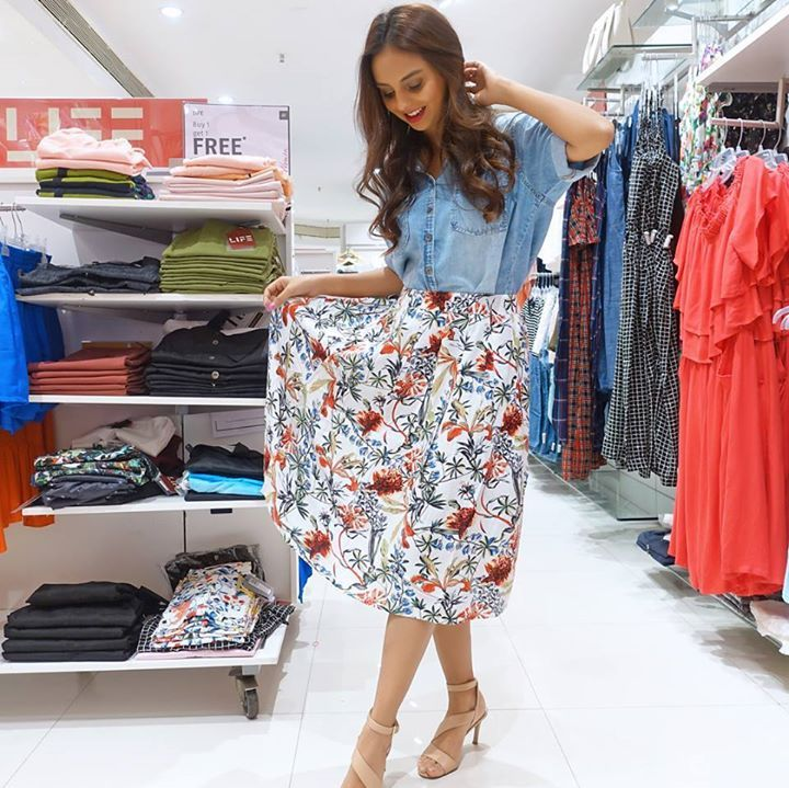Here's taking a trip #BackToCollege with the awesome @AanamC and the 5 denim looks she picked. Get the looks from LIFE, Stop & Fratini Woman at Shoppers Stop now! #fashion #style #stylish #love #me #cute #photooftheday #nails #hair #beauty #beautiful #design #model #dress #shoes #heels #styles #outfit #purse #jewelry #shopping #glam #cheerfriends #bestfriends #cheer #friends #indianapolis #cheerleader #allstarcheer #cheercomp  #sale #shop #onlineshopping #dance #cheers #cheerislife…