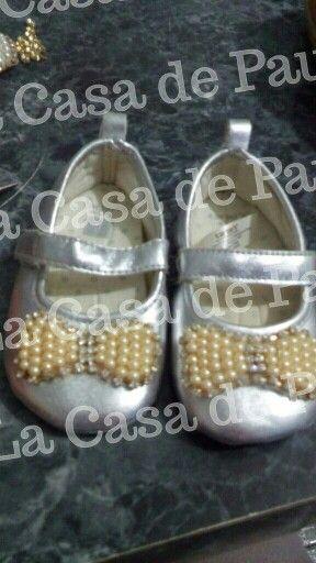 Zapatos para bebé con perlas