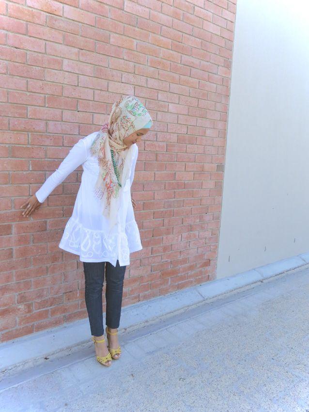 http://minimalexposure.blogspot.com/  Hijab Fashion/Style Paisley