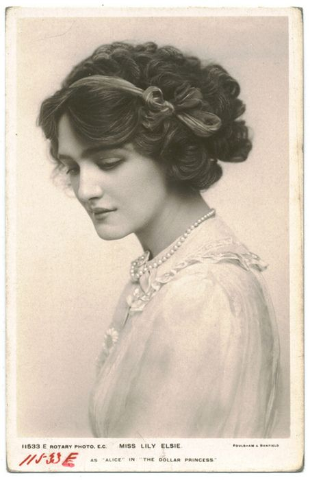Lily Elsie -- a famous English Actress who rose to fame in 1907. She was one of the most photographed women of the era. She really is lovely, look at her hair!