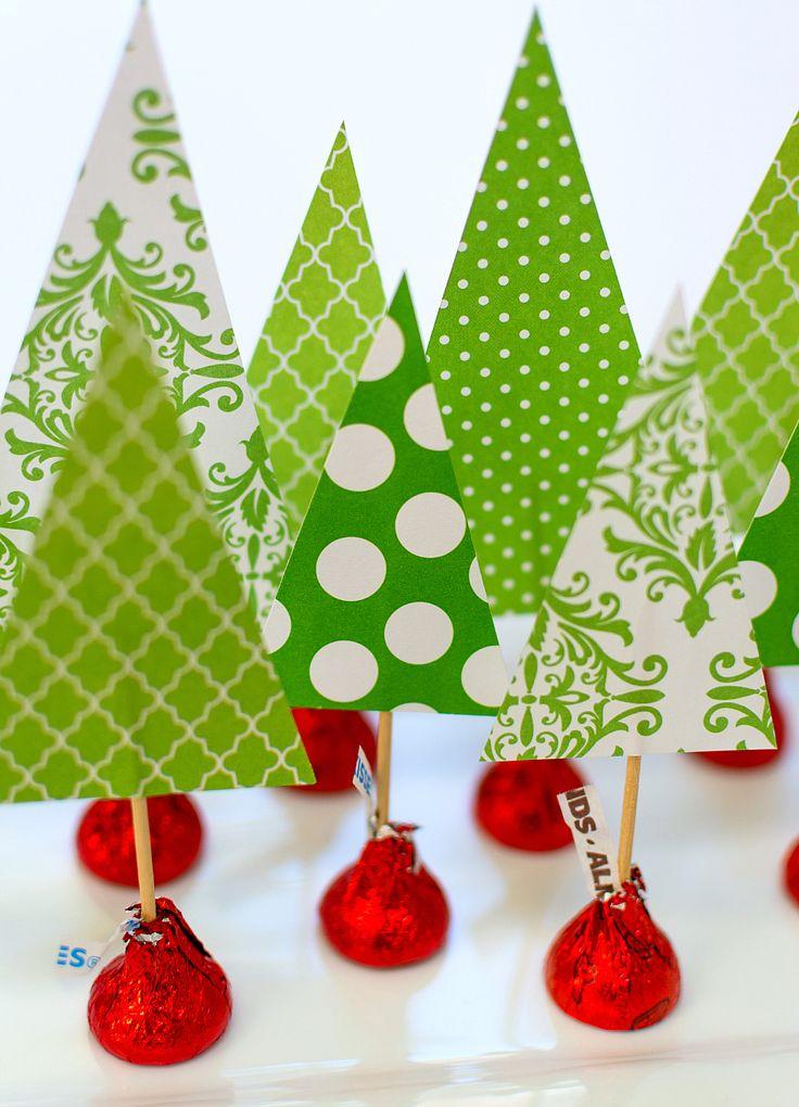 Holiday-Centerpiece-Idea-Hershey-Kiss-Mas-Tree-Forest-Wine-Corks (8 of 14)