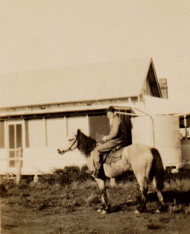 "Eric Williams, most likely on Howe`s property "" Retreat"", Dubbo."