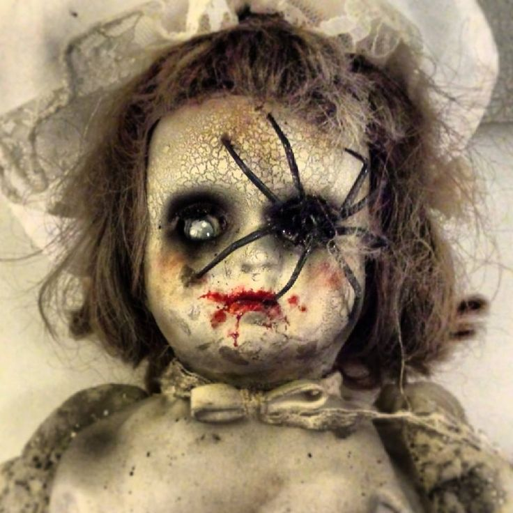 HF member:This was the first doll, im planning on making more in the same style. Spraypaint and airbrush, spider is foam leftovers and toothpicks. Enjoy an please give some feedback.