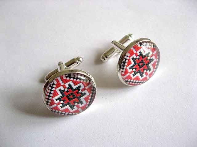 #Butoni cu #motive #traditionale #romanesti / #modele #geometrice, butoni #camasa #barbati http://handmade.luxdesign28.ro/produs/butoni-cu-motive-traditionale-modele-geometrice-butoni-camasa-29528/