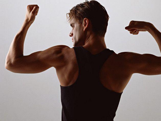 """近年注目されている""""インナーマッスル""""を鍛えることができるのがチューブトレーニングの魅力。インナーマッスルは、文字通り外からは見えづらい深い部分にある筋肉のことで、通常のトレーニングではなかなか鍛えることができないのだそうです。しかも、最近では多くのチューブが発売されていて、ダンベルなどと同じような高負荷のトレーニングもできるようになってきているそうです。そんな、初心者からアスリート並みまでいろいろなトレーニングに対応できる、チューブトレーニングのやり方を紹介します。"""
