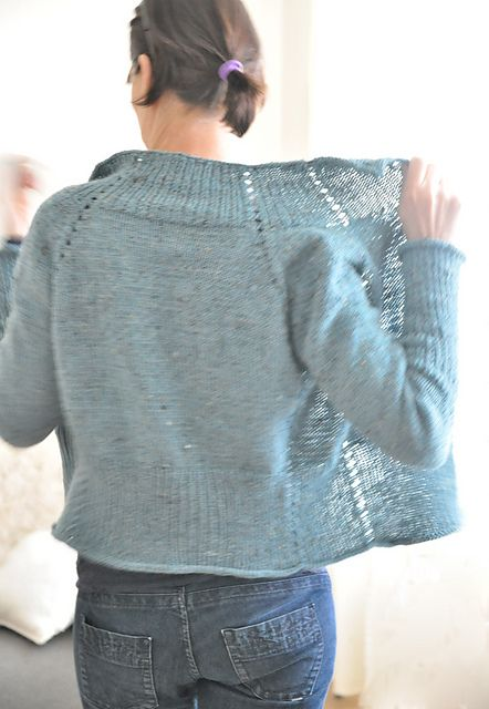 http://www.ravelry.com/patterns/library/naima-2
