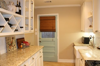 8 best images about benjamin moore 39 s shaker beige on for Beige kitchen cabinets wall color
