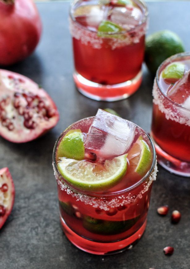 Pomegranate Margaritas - so perfect for the holiday season. | http://howsweeteats.com