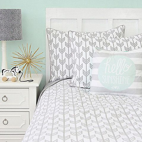 Create a chic, modern nursery for your little one with the stylish Caden Lane Arrow Chevron Collection in Mint/Navy. Graphically appealing your baby will love the visual excitement and comfort.