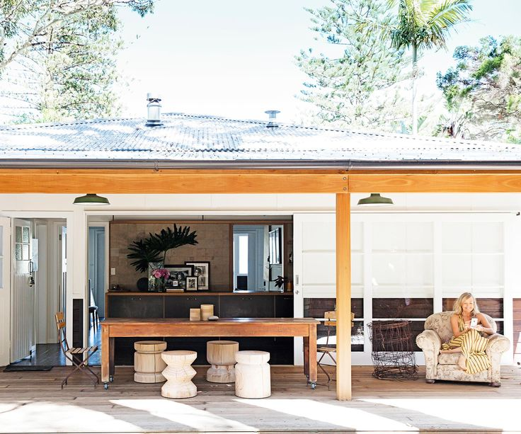 An eclectic beach shack overlooking Pittwater on Sydney's Northern Beaches. Photography: Maree Homer