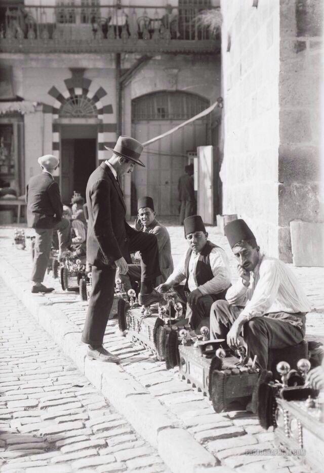 Palestine, 1920s (with imperialist, colonizer British).