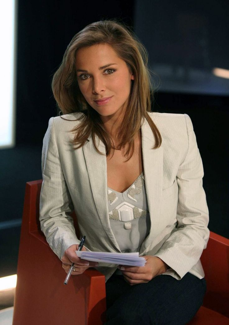 "Mélissa Theuriau - M6 France 	July 18, 1978 in:	Grenoble (France) Sun: 	25°41' Cancer	AS: 	15°41' Sagittarius Moon:	5°02' Capricorn	MC: 	10°09' Libra Dominants: 	Sagittarius, Cancer, Libra Neptune, Pluto, Jupiter Houses 1, 8, 9 / Fire, Earth / Cardinal Chinese Astrology: 	Earth Horse Numerology: 	Birthpath 5 Height: 	Mélissa Theuriau is 5' 6½"" (1m69) tall"