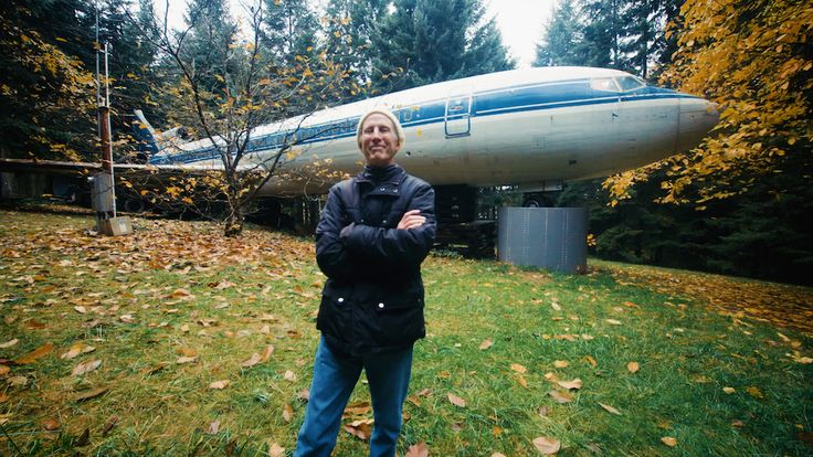 Bruce Campbell lives in an airplane. Yes, an actual jet. The Portland-based aeronautics enthusiast makes his home in a converted Boeing 727 that was once used as a Greek aircraft until the mid-1960s and now resides in a forest near Portland.