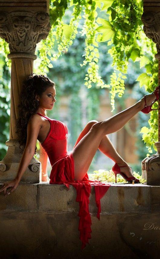 Ich liebe schöne Girls mit schönen Beinen. Am liebsten in Pumps.