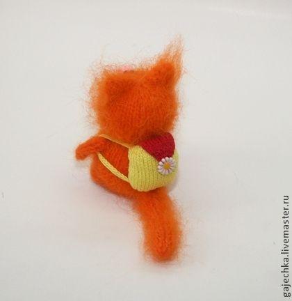 Рыжий вязаный кот с рюкзаком - рыжий,кот,котик,котенок,кошка,вязаный кот