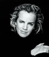 Jill, my first love in fashion ! Pure feminine silhouets from masculine fabrics
