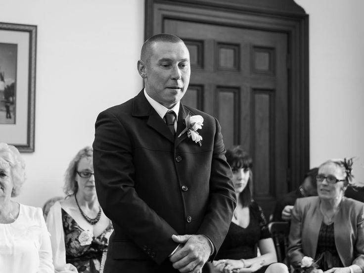 Hayley & Sean a Great Yarmouth Town Hall Wedding - phil paine photography