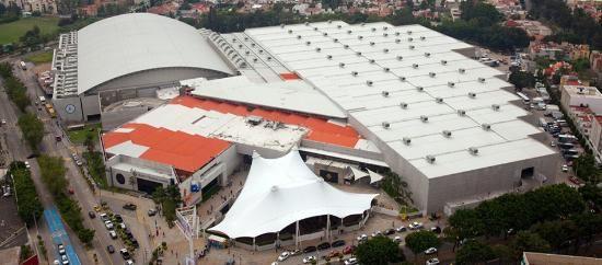 Expo Guadalajara es el recinto ferial mas grande del occidente del país y uno de los mas importantes de latinoamerica, una de las ferias mas conocidas es la FIL o Feria Internacional del Libro pero alberga también otras como exhimoda, expo joya, expo transporte entre otras  www.salutaris.mx