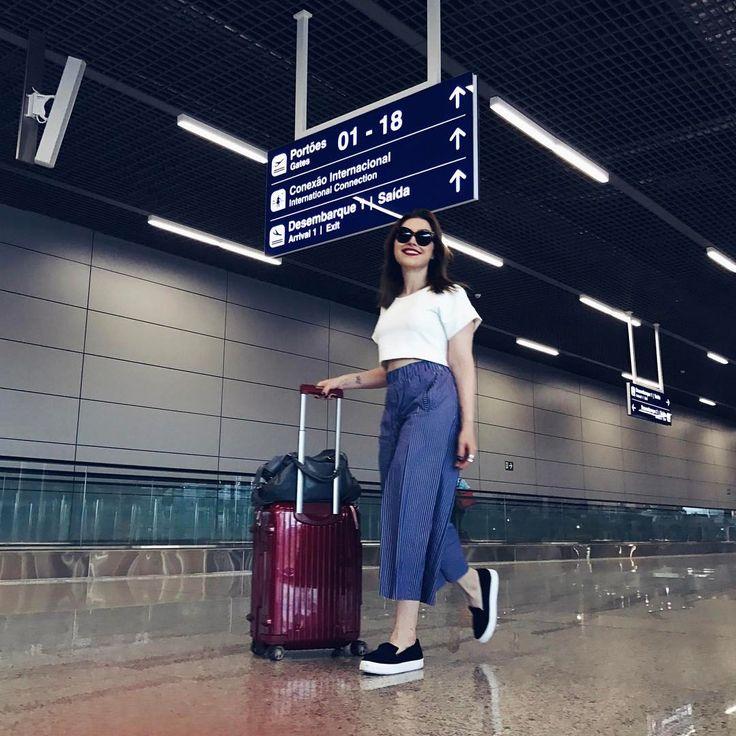 """Lu Ferreira no Instagram: """"Indo ali rapidão ✈️ #travel #airportstyle"""""""