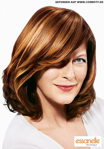 Schulterlange Haare mit tiefem Seitenscheitel - 2009 Frisuren-Bilder - COSMOTY.de