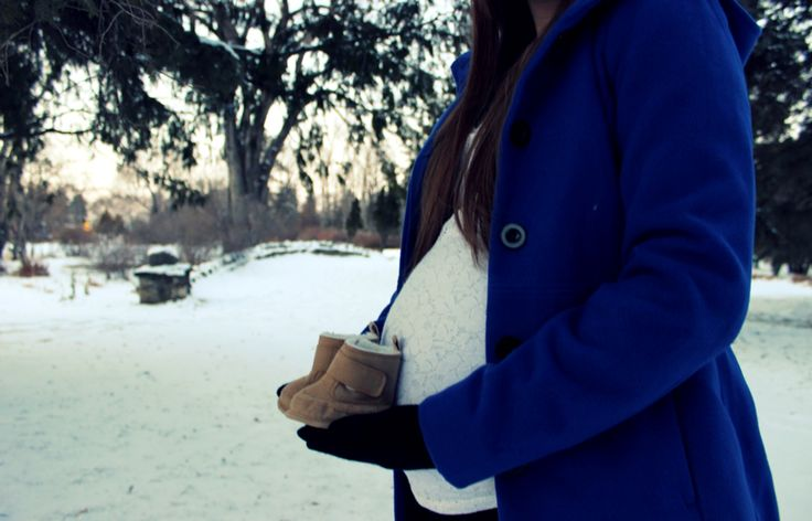 Winter maternity photography ❄️