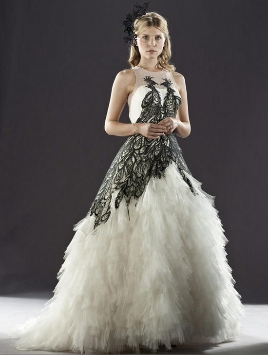 Black Peacock Lace Wedding Dress In Princess Style