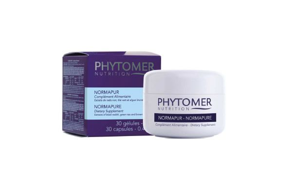 Help your body detox itself this New Year with the Phytomer Normapure capsules. Formulated with a blend of Vitamin B6, Zinc and Vitamin C, these supplements help the body to cleanse itself to increase the skin's natural radiance.
