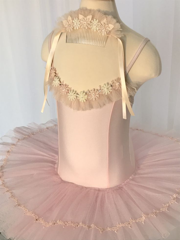 Gorgeous size 5-6 yr old dress up tutu