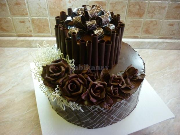 čokoládová dvojposchodová