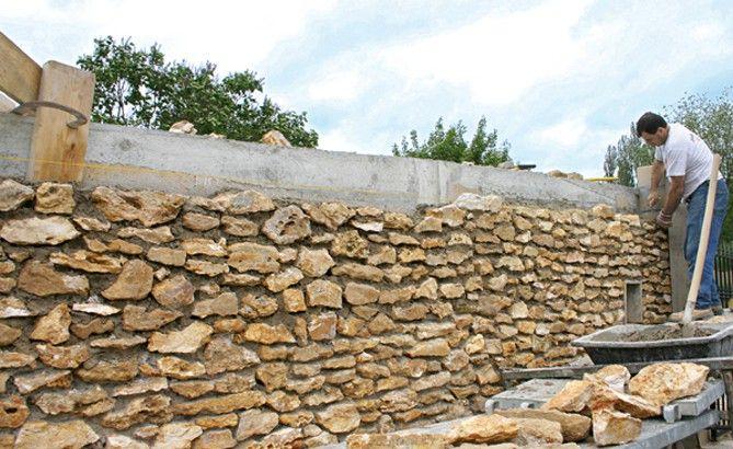 Fabriquer-un-mur-de-cloture-en-pierres