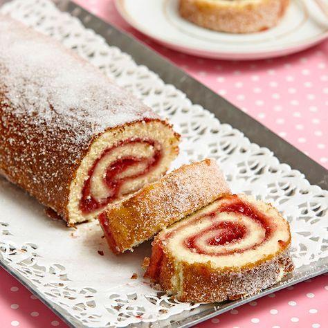 Rulltårta är klassiskt, enkelt och väldigt gott. Fyll den med den sylt du gillar bäst.