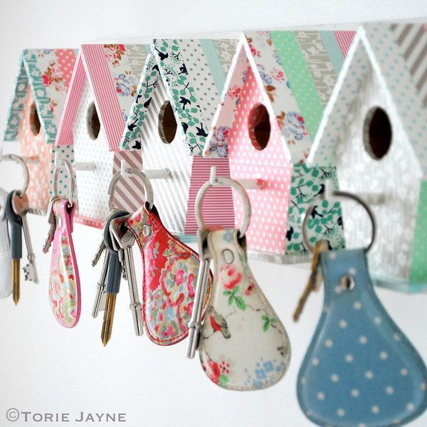 DIY Easy Bird House Key Hooks - An adorable and easy handmade gift!