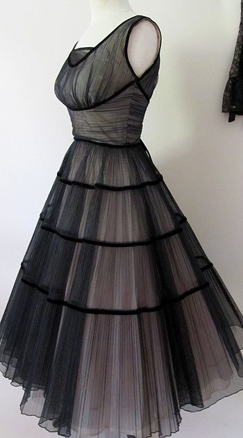 1950s party dress in black and pink tulle
