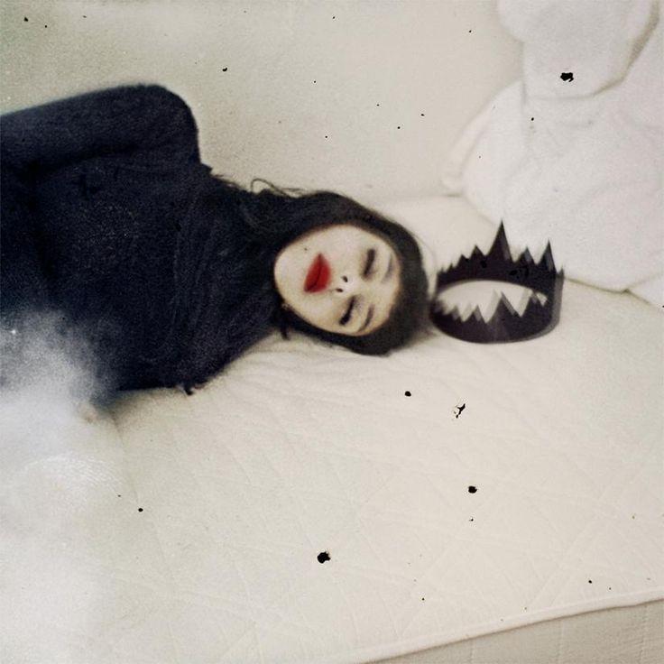 Rimel Nefati • Work (2009-2015) • black magic ? http://www.rimelneffati.com/fr/portfolio-13302-1-20-work-2009-2015.html