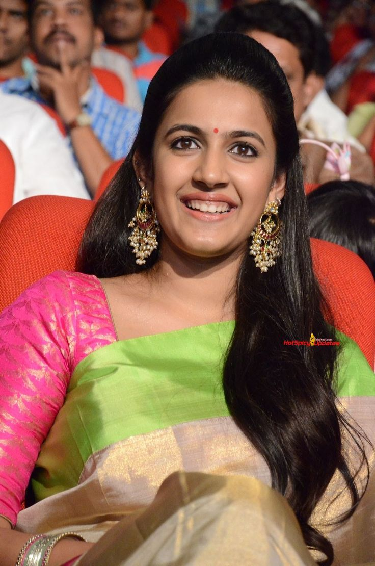 Niharika-Konidela-at-Oka-Manasu-Audio-Launch-12.JPG (1060×1600)