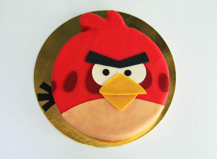 Gâteau Angry Bird rouge • Boutique atelier 7 rue Liancourt – Paris 14ème – 01 40 47 03 51 • ouvert du mardi au samedi de 10 heures à 19 heures