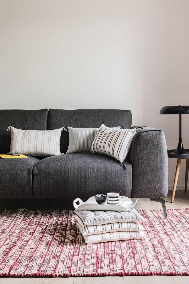Un canapé à lassise enveloppante