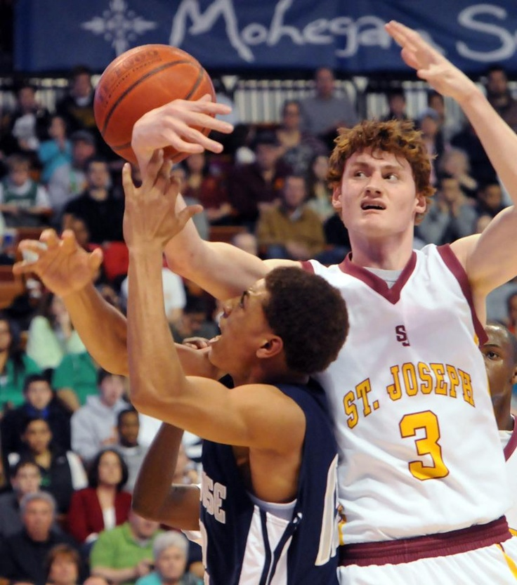 St. Joseph takes top spot in final basketball poll New Haven ...