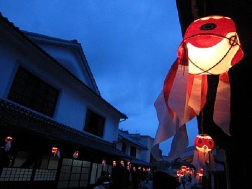 【コラム】地元の面白いお土産 (1) 軒下でゆらゆら泳ぐ。山口県柳井市の「金魚ちょうちん」   旅行   マイナビニュース