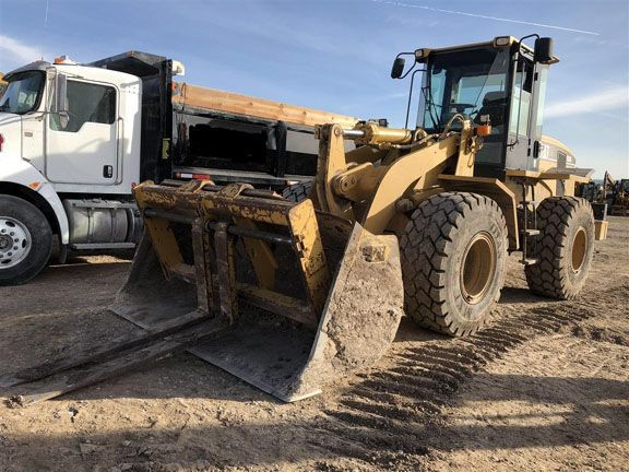 Mico Equipment is now offeringused Cat wheel loadersat good rates so check out ourwheel loaders for salesection and contact us in Texas for more info. The latest Caterpillar wheel loaders are equipped with z-bar links, combining powerful vertical digging with lateral movement.