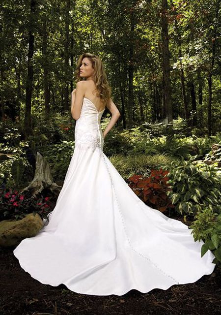 30 best camo wedding dresses images on pinterest bridal for Camo accented wedding dresses