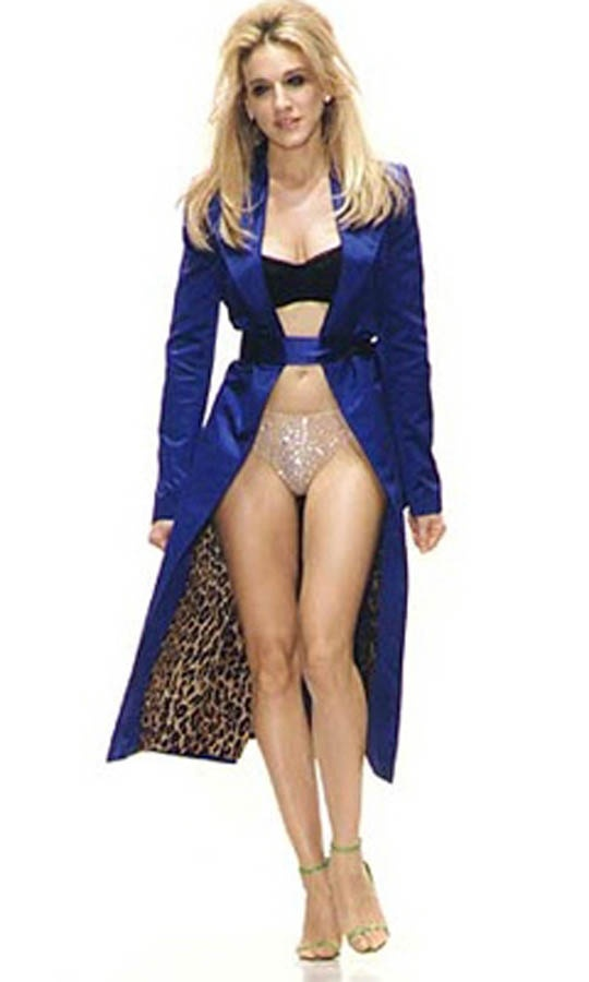 Carrie Bradshaw wearing a #blue #jacket with #leopardprint See more on my blog Lionsandwolves.com